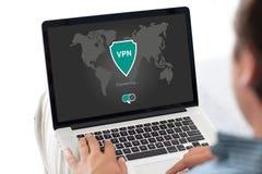 App σημειωματάριων εκμετάλλευσης ατόμων vpn τα πρωτόκολλα Διαδικτύου δημιουργιών προστατεύουν Στοκ Φωτογραφία