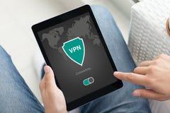 App ταμπλετών εκμετάλλευσης ατόμων vpn protectio πρωτοκόλλων Διαδικτύου δημιουργιών Στοκ φωτογραφίες με δικαίωμα ελεύθερης χρήσης