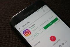 App di logo di Instagram sullo schermo del telefono di Samsung immagine stock libera da diritti