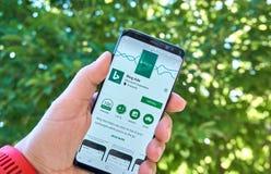 App móvel de Microsoft Bing Ads em Samsung s8 imagens de stock