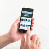 App Store på den Apple iPhonen 5S Arkivfoto
