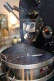 Apparat för att grilla för kaffebönor Arkivbilder