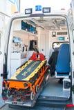 Apparatuur in de medische eenheid van een auto Stock Fotografie