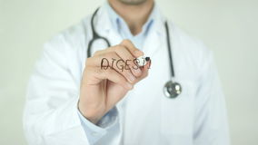Appareil digestif, docteur Writing sur l'écran transparent banque de vidéos