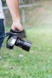 Appareil-photo à disposition Images libres de droits
