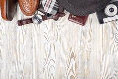 Appareil-photo classique de bourse de lien de montre de smartphone de chaussures du ` s d'hommes de style Photo stock