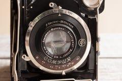 Appareil-photo de pliage de Compur d'Allemand de vintage à partir de 1930 s, fait par F Deckel Munchen Photo stock