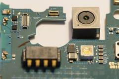Appareil-photo de Smartphone et ses circuits électroniques photographie stock libre de droits