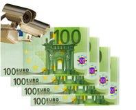 Appareil-photo de télévision en circuit fermé et euro 100. Affaires et contrôle Images libres de droits