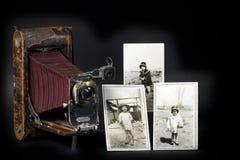 Appareil-photo et photos de cru Images libres de droits