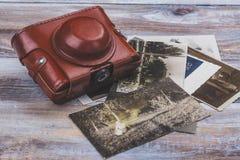 Appareil-photo et photos de vintage photographie stock