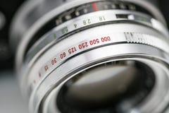 Appareil-photo très vieil de film de vintage, tir de studio Photos stock