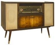 Appareillage par radio en bois de vintage d'isolement sur le fond blanc Photographie stock libre de droits