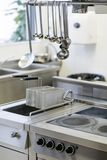 Appareils de cuisson d'espace de travail de restaurant de cuisine Photographie stock
