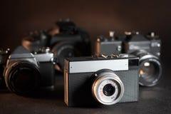 Appareils-photo de film de vintage en gros plan Photos stock