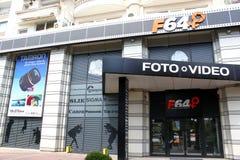 Appareils photo numériques et vidéo du magasin F64 Images libres de droits