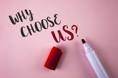 Apparence conceptuelle d'écriture de main pourquoi choisissez-nous question Raisons de présentation de photo d'affaires de sélect image stock