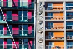 Appartamenti arancio e porpora del blocco Fotografie Stock Libere da Diritti