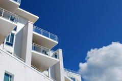 Appartamenti bianchi immagine stock
