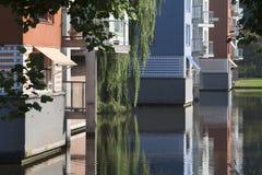 Appartamenti costruiti in acqua Fotografie Stock