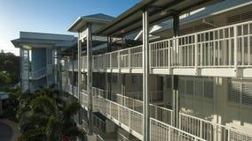 Appartamenti della riva del fiume Immagini Stock Libere da Diritti