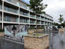 Appartamenti di lusso di Miles House, Stanley Kubrick Road, studi cinematografici di Denham immagini stock libere da diritti