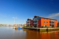 Appartamenti di Waterside, Regno Unito Immagine Stock