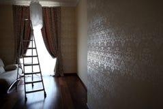 Appartamenti residenziali di lusso con lo stepladder Fotografia Stock
