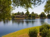 Appartamenti sul lago Fotografie Stock