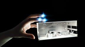 Appartamento commovente della rappresentazione di bianco 3D della donna di affari Fotografia Stock