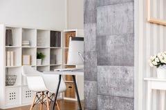 Appartamento funzionale per vivere e lavorare Immagini Stock