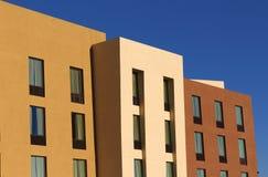 Appartamento moderno variopinto Fotografia Stock Libera da Diritti