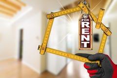 Appartamento per affitto - strumento di legno del tester Immagine Stock Libera da Diritti