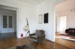 Appartamento piacevole riparato, salone di vista Fotografie Stock Libere da Diritti