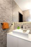 Appartamento urbano - bagno Fotografie Stock Libere da Diritti