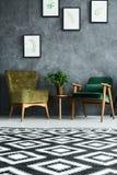 Appartement avec les meubles modernes Images libres de droits