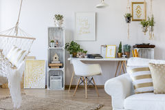 Appartement dans le style scandinave photo stock