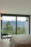 Appartement meublé, chambre à coucher photo libre de droits