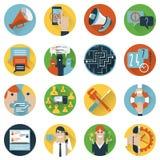 Appartement réglé par icônes de concept de forum d'Internet illustration de vecteur
