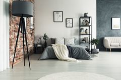 Appartement spacieux gris photos libres de droits