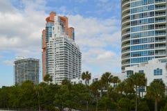 Appartementkomplexe, Süd-Pointe-Park, Südstrand, Florida Lizenzfreies Stockfoto