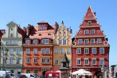 Appartements colorés et historiques de place du marché Abaissez la Silésie, WROCLAW, l'Europe Photos stock