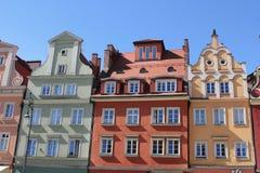Appartements colorés et historiques de place du marché Abaissez la Silésie, WROCLAW, l'Europe Image stock