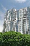 Appartements de luxe de service avec le ciel Photographie stock
