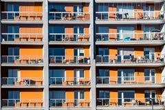 Appartements jaunes de bloc Photos stock