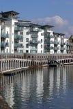 Appartements reflétés photographie stock libre de droits