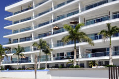 Appartements sur la plage mexicaine Photographie stock libre de droits