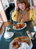 Appel de commande de déjeuner photos stock