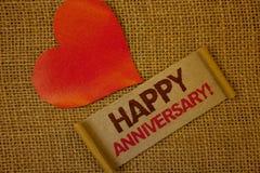 Appel de motivation d'anniversaire heureux des textes d'écriture de Word Concept d'affaires pour le rose spécial annuel p de lava Photographie stock libre de droits