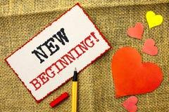 Appel de motivation de nouveau début des textes d'écriture La vie changeante de croissance de forme de nouveau début de significa Images stock